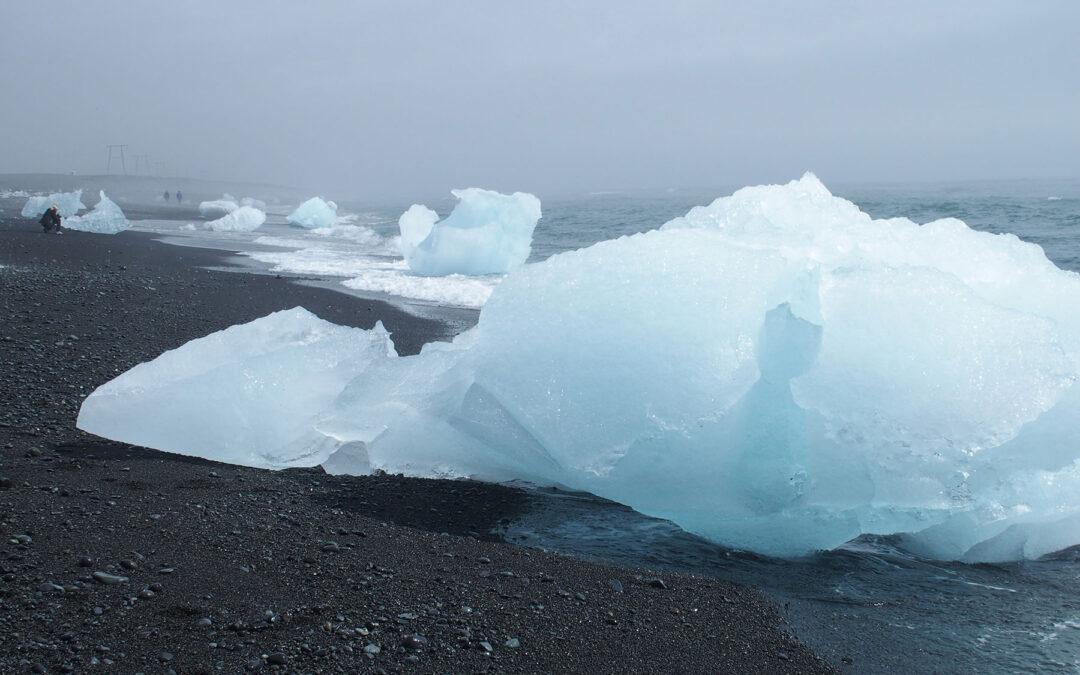 Eis am Meer - ein bizarres Bild im Vatnajökull Nationalpark