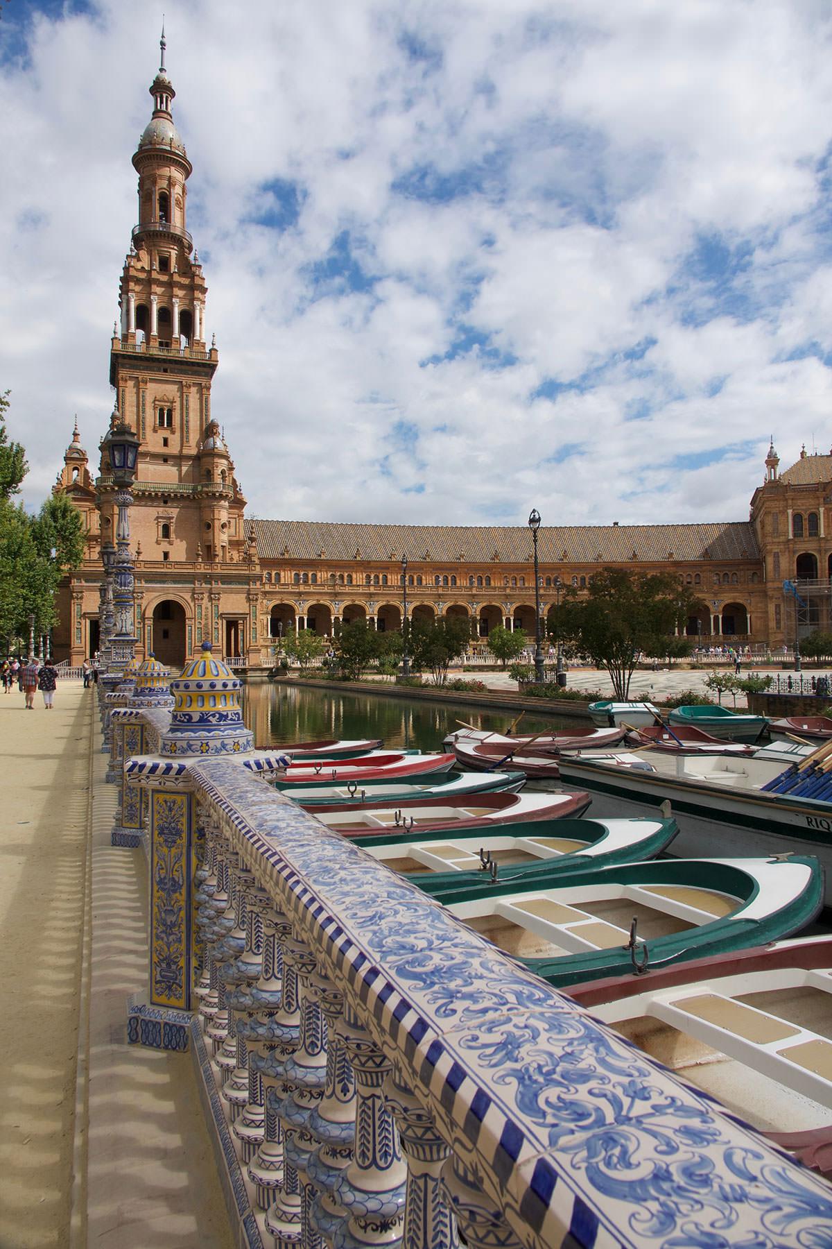 Mein neuer Reiseroman führt die Protagonistin nach Sevilla.